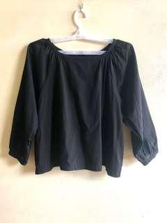 Uniqlo Black raglan blouse