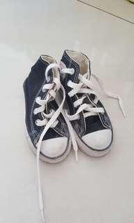 Sepatu converse (not ori)