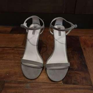 Forever 21 One Strap Suede Taupe Heels 39