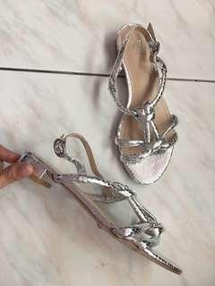 H&M 全新 紐結 設計感 涼鞋 平底鞋 size:37