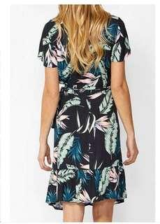 Floral overlap dress with ruffles