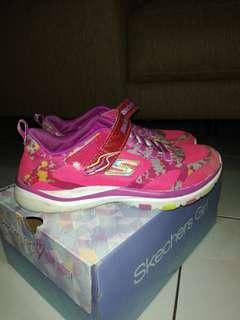 Sketchers Shoes size US2