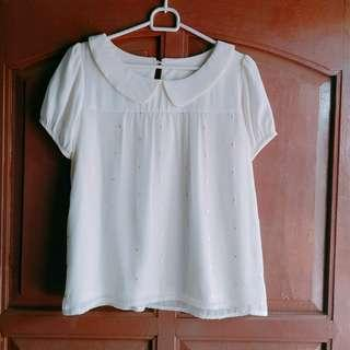 Baju jalan/ Daily outfit / white blouse