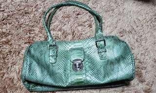 Liz Claiborne green elegant shoulder bag