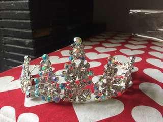 Mahkota Crown