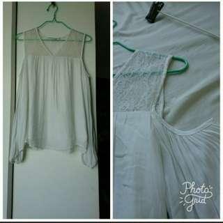 Naf naf 白色lace雪紡露膊長袖衫 White off shoulder long sleeve lace chiffon top
