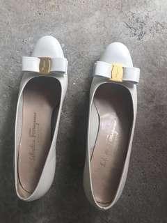 Authentic Ferragamo Leather Vara heels - Peal white color