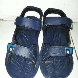 Sepatu sendal nevada dan precise