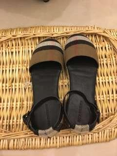 Burberry童鞋23半
