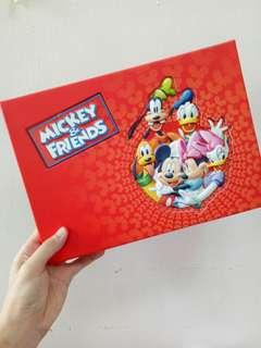 🚚 Disney Mickey&friends 個人化郵票精裝版