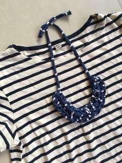 🚚 Handmade t-shirt yarn necklace - navy and white stripes