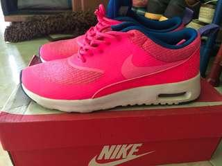 Nike airmax thea pink