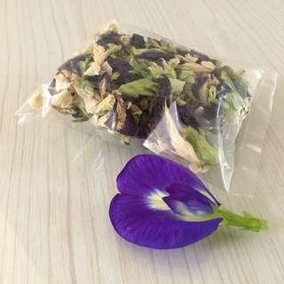 Dried butterfly pea flower/ bunga telang (8g/ pack)