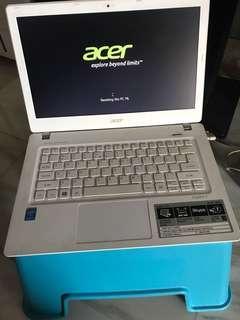 Acer Aspire V13 laptop