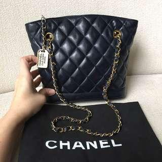 AUTHENTIC CHANEL Lambskin Shoulder Tote Bag