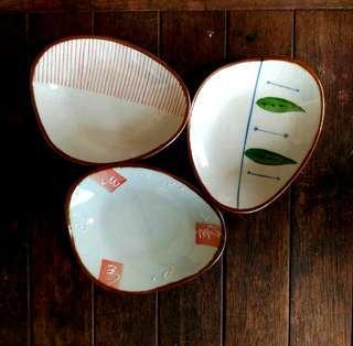 "3 Japanese Dessert Plates (6x5"")"