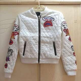 🌟 清屋 ! 全新 超型 夾棉 短款 貼布 珠片 外套 秋冬 White Jacket