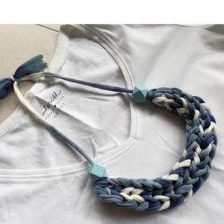 🚚 Handmade t-shirt yarn necklace - cool blues