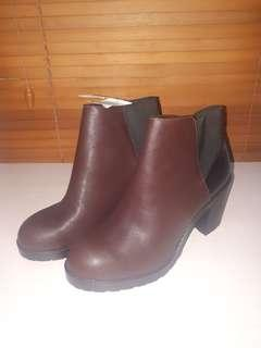 New Original Pull & Bear Boots