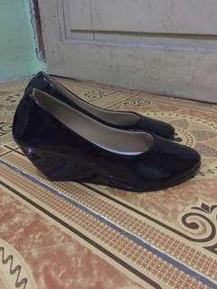 sepatu wedges sepatu kerja wedges hitam