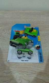 [INC POSTAGE] lot hotwheels: hw ride-ons (pedal driver)