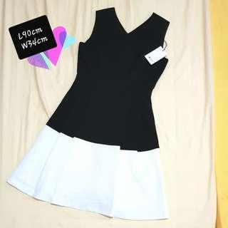 Black White Dress (Fits M)