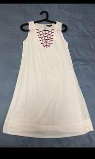 Paid $99 island shop dress w embroidered top