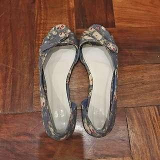 Penshoppe Peep Toe Flats