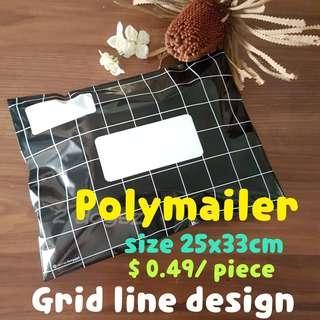 Polymailer bag/ grid line in black