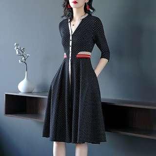 🔱⏳ A flare banded elastic tab side details Long Dress