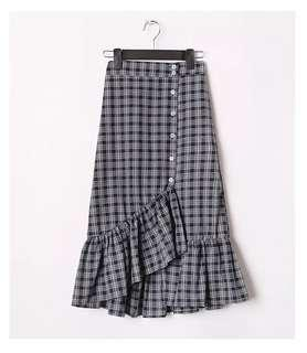 🆕 READY STOCK CHECKERED SKIRT #under90