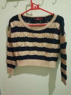 ADA woman crop sweater