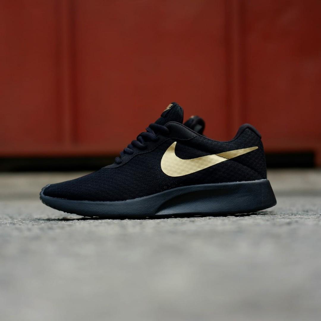 Nike Tanjun Black Gold Sole Originals BNWB Fesyen Pria Sepatu Sneakers Di Carousell