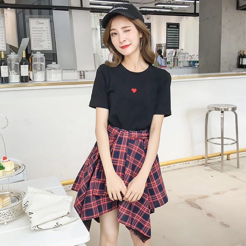 8c4292ced2b8 PO] [WA] 🇰🇷 Korean Ulzzang Black Shirt with Red Heart and Plaid ...