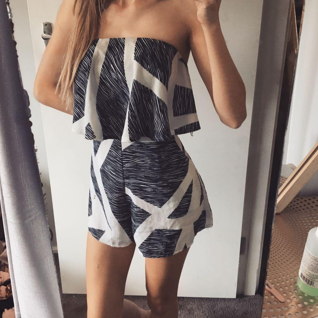 Printed Playsuit blue and white with pockets
