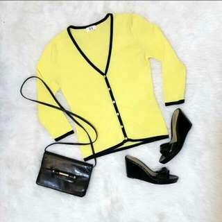 Yellow cardigan size S #MauiPhoneX