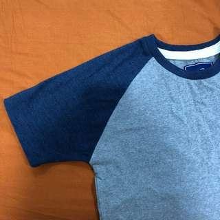 🚚 Plain blue sleeve grey shirt
