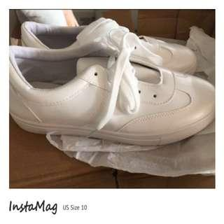 🚚 *INSTOCK* White Shoes