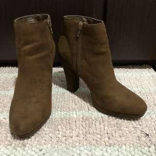 FOREVER 21 Brown Suede Boots