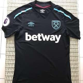 Umbro 💯% Authentic West Ham black away jersey for SGD$45 (size GB S, USA S, Asia M, EU S)