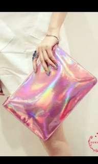 ❌ Clutch holographic pink