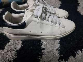Like Adidas Stan Smith shoes