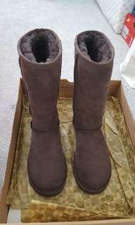 Authentic Brand new UGG Classic Tall Chocolate size 5
