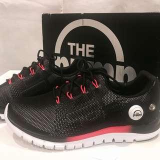[Free Shipping] Reebok Zfusion Running Shoes (sz 7)