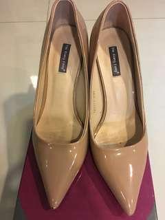 Sexy Beige Stiletto Size 230