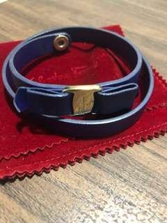 Salvatore Ferragamo Varaq bracelet in cobalt blue and blaxk