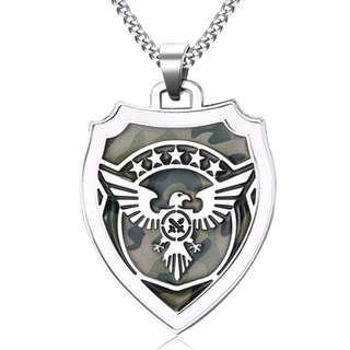 《 QBOX 》FASHION 飾品【CPN859】精緻個性軍事迷盾牌老鷹勳章鈦鋼墬子項鍊