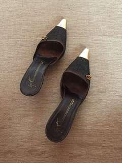 Authentic giuseppe zanotti design pointed toe slides