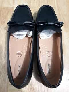 Leather Loafers Size 9 US