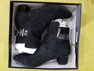 Elisabeth Women Ankle Boots with buckle